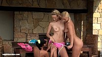 Bottle Spinning sensual lesbian scene by SapphiX